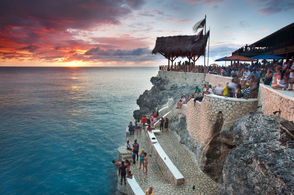 negril-beach-sunset-tour-at-rick-s-cafe.jpg